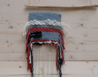 Weaving blue and Red