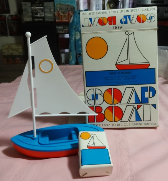 1970's Avon Floating Soap Boot Mint in Box. Box in Great Shape.