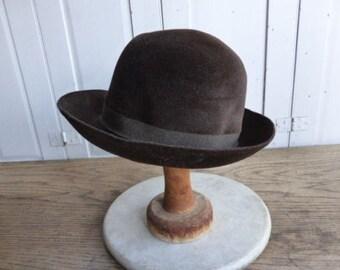 Vintage ladies classic German brown wool felt hat with trim ribbon by Mayser