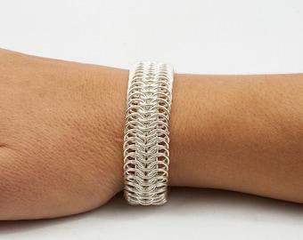 Silver bracelet in european 8 in 1 weave