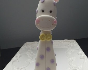 The cutest fondant Baby Giraffe perfect for a baby shower or baby's birthday