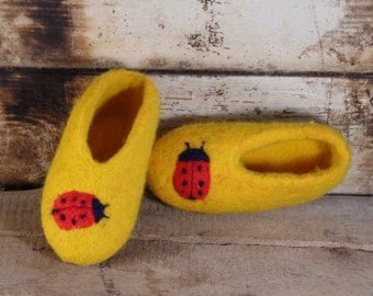 Hand felted wool slippers - shoes Slippers Ready to ship Wool felted children shoes  Handmade slippers Home shoes Christmas gift for baby