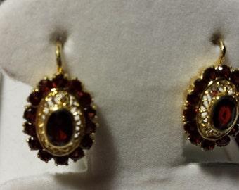 Beautiful 18k Yellow Gold & Garnet Lever Back Earrings 5.9gr