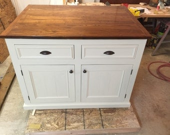 "Kitchen Island with 12"" overhang"
