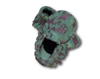Camo Suede Baby Moccasins // Camo Baby Mocassins // Camouflage Baby Mocassins // Camo Baby Shoes