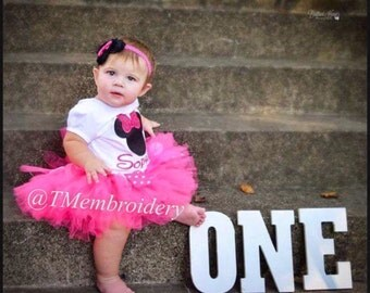 Minnie Birthday outfit appliqué shirt tutu & hairbow with name.