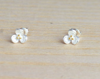 Sterling Silver Little Blossom Wild Flower Stud Earrings  m74