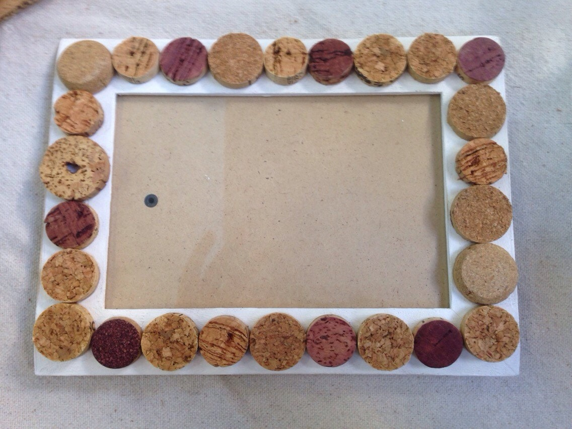 Wine cork slices picture frame by Corksnkrafts on Etsy