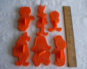 Vintage 1978 Wilton Looney Tunes Cookie Cutters