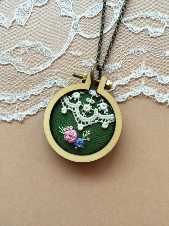 Sale vintage lace necklace mini embroidery hoop