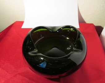 Vintage Emerald Crystal Cigar Ashtray Bowl