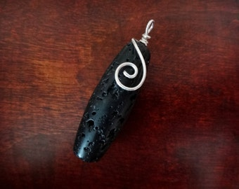 Pendant arabesque & lava rock