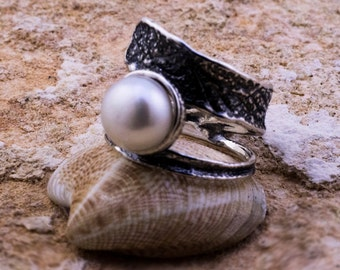 White Pearl Ring, Silver Pearl Ring, Sterling Silver Ring, June Birthstone Ring,Summer Ring, White Ring, Handmade, Fashion ring