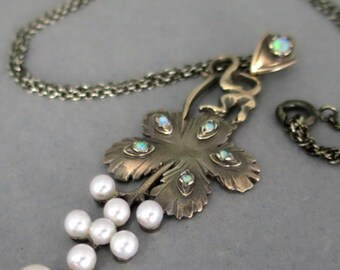 Pendant with opals and pearls edwardian style