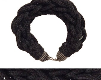 Tubular knitted cuff