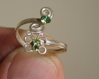 Vintage Sterling Silver Green CZ Ring ( Size 5.5 )