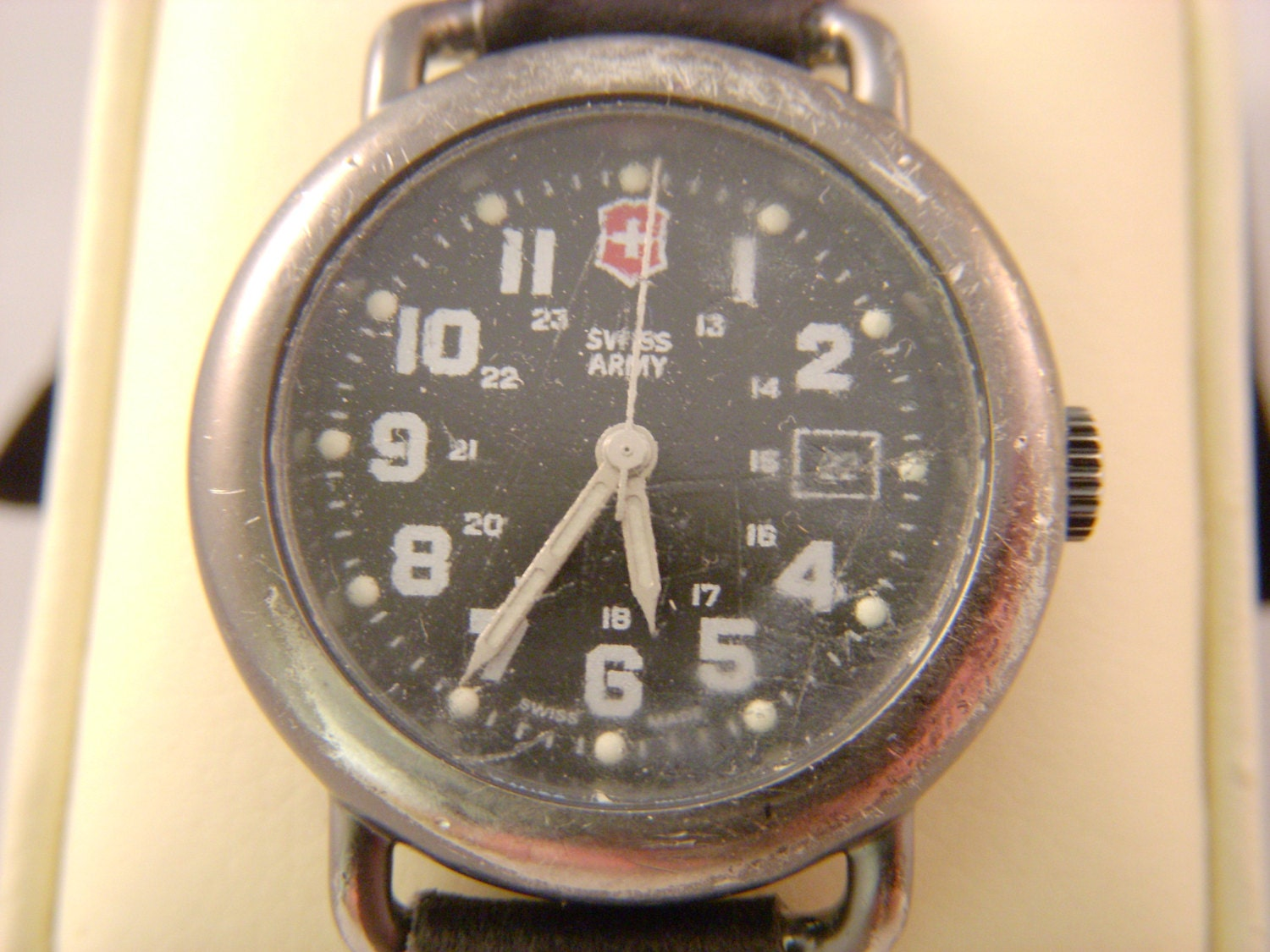 Vintage Swiss Army Watch Running and Keeping Time