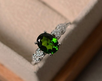 Chrome diopside ring, oval cut, silver, promise, engagement ring