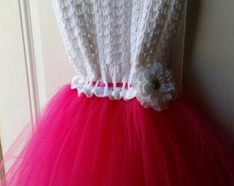 Crotchet dress with tulle