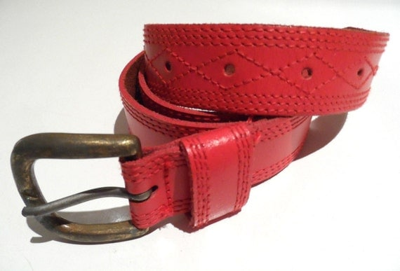 Women's 1970 red leather belt with stitching detail and gold tone buckle - Vintage