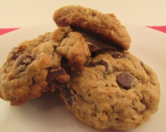 Almost Healthy Oatmeal Chocolate Chip Cookies