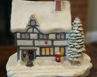 Naturedraft 45 Ye Olde Kings Arms/ Cottage/House/Christmas House/Made in England/Chalkware