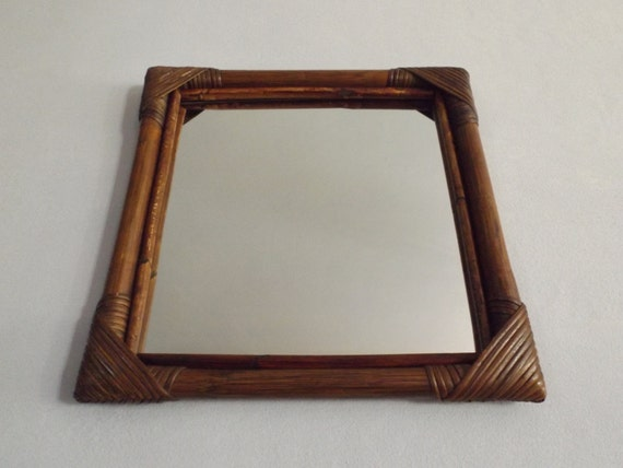 Miroir en bambou rotin et osier vintage miroir carr ancien for Miroir en osier
