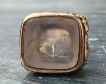 Antique Victorian Gold Chalcedony Hunting Dog/Hound Fob/Seal