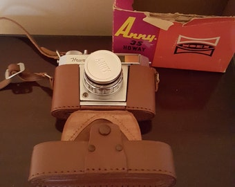 Vintage 35 mm Anny 35 Howay Camera 1960's