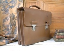 Never used ! French vintage genuine leather briefcase. Postal worker briefcase. Laptop case. Leather school bag. New old stock