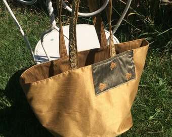 Large golden bumble bee tote.