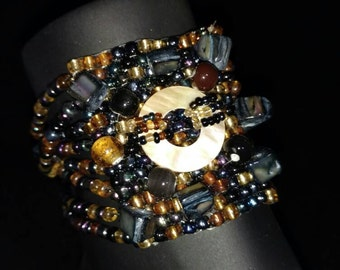 Black and Bronze Tones Abstract Seed Bead Stetch Bracelet