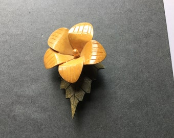 30's Carved wood Flower 2 toned painted BROOCH PIN
