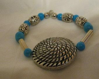 Bracelet aqua and silver tone beads charm stretch