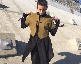 Green Wool Vest / Short Vest / Extravagant Vest / Warm Vest / Winter Vest / M16069