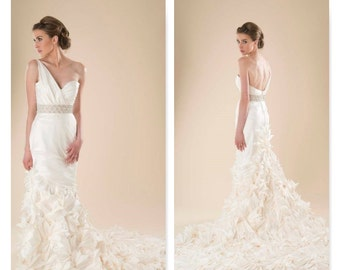Bridal Gown Sample LARK dress by COCOE VOCI