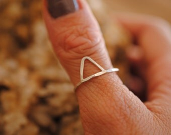 Single Mountain Ring | Sterling Silver