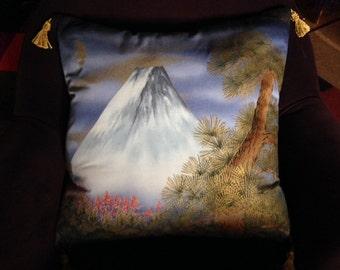 Silk screen pillow