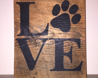 Love sign with paw print on Reclaimed wood