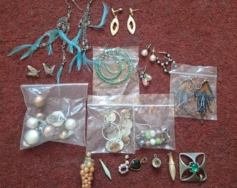 JOB LOT - 11 Pairs of Costume Earrings and 7 pendents