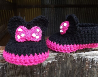 Minnie Mouse inspired crochet baby booties