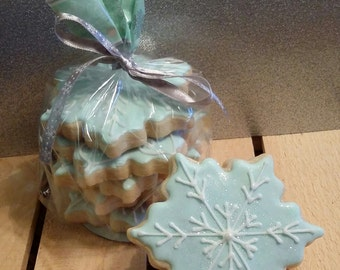 Decorative bag of Six Sparkly Snowflake cookies
