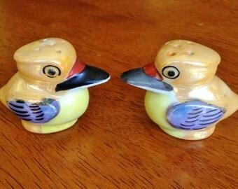 Salt and Pepper Shaker Set Vintage Birds Lusterware Finish Japan