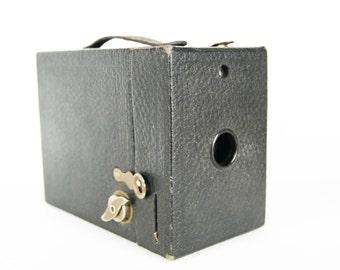 Vintage Camera Hawkeye Model C Eastman Kodak Historical Collectible