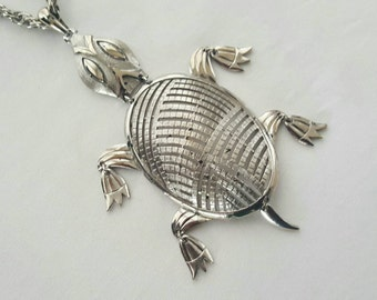 ALAN turtle pendant
