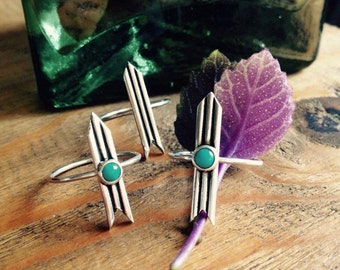 Arrow ring with turquoise