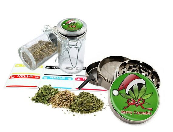 "Merry Leaf - 2.5"" Zinc Alloy Grinder & 75ml Locking Top Glass Jar Combo Gift Set Item # G022015-040"