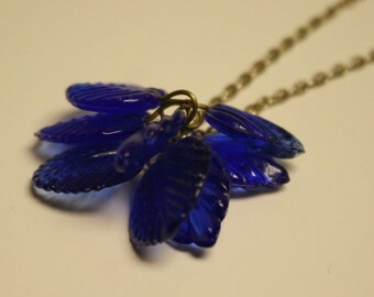 Blue leaf chain necklace