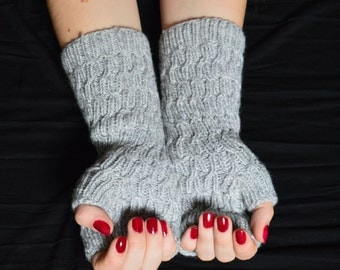 SALE 20% Off Hand knitted fingerless gloves (grey, wool)