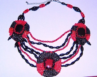 Women's necklace in red and black with black onyx and red coral